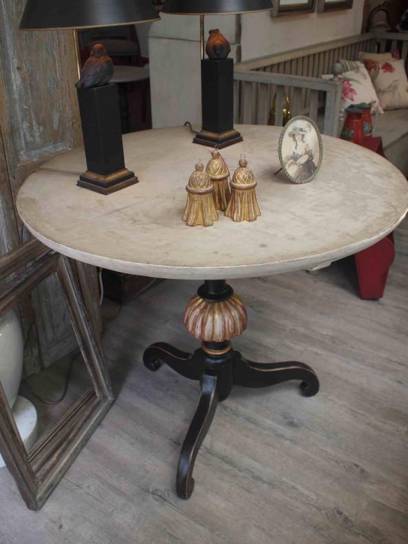 gustavianischer runder Tisch