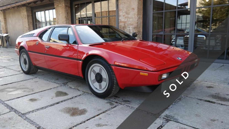BMW M1, rot - sold