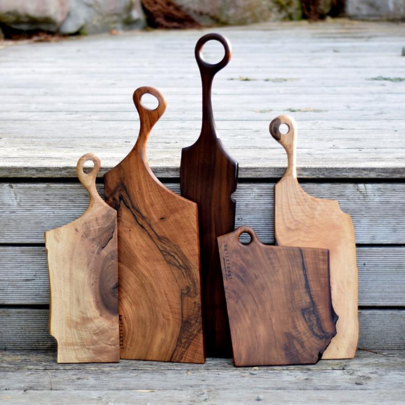Handgemachte Servierbretter aus Nussbaum Holz aus der Schweiz