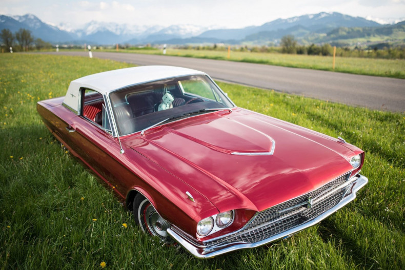 Ford Thunderbird Hardtop Town Coupe 428