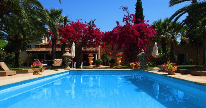 Traumhafte luxuriöse Finca-Oase in Binissalem mit Tramuntana Blick