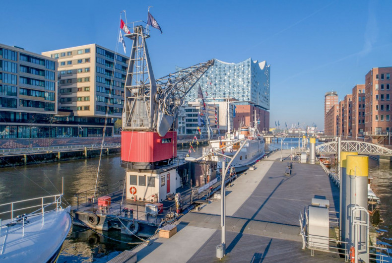 HafenCity Hideway Hafenkran Hamburg - Floatel