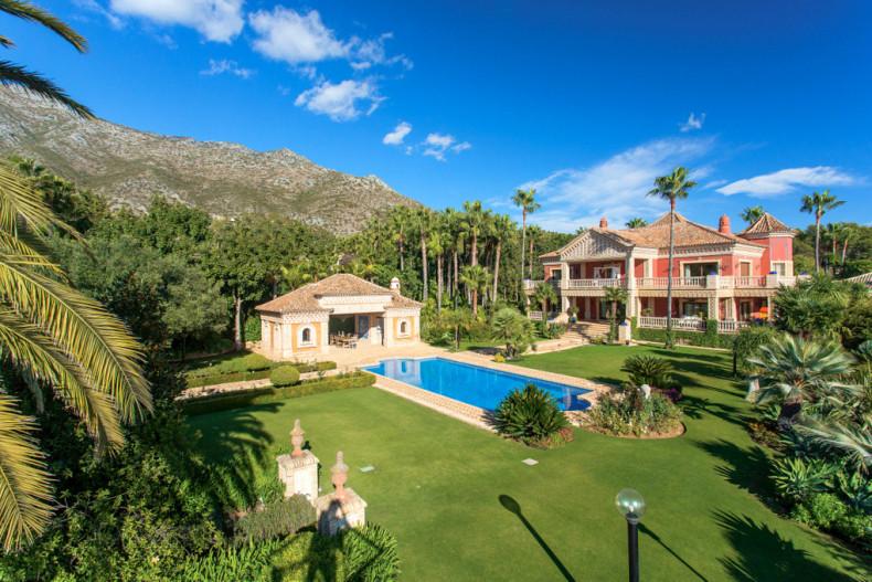 Wunderschönes Anwesen in Los Picos de Nagueles