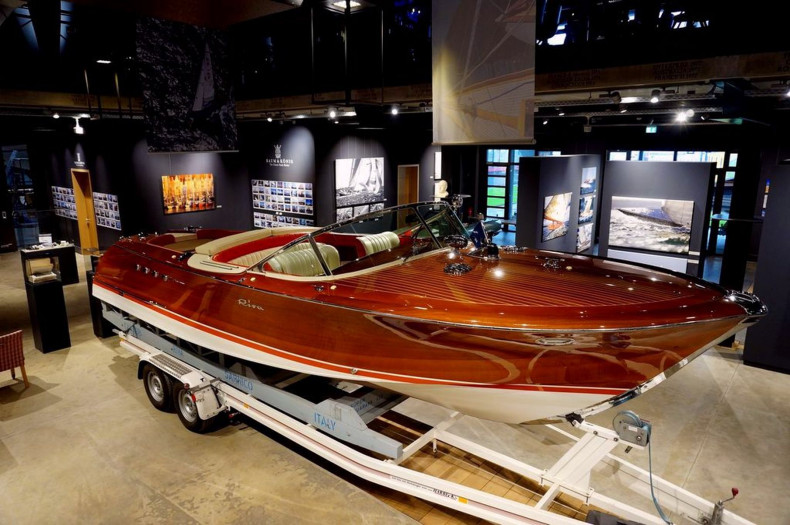 Riva Aquarama Super N°422