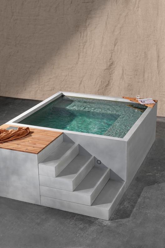 Schlicht und elegant unser Mini Pool SALAM aus Beton