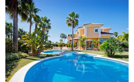Luxusvilla in Strandnähe in Bahia de Marbella