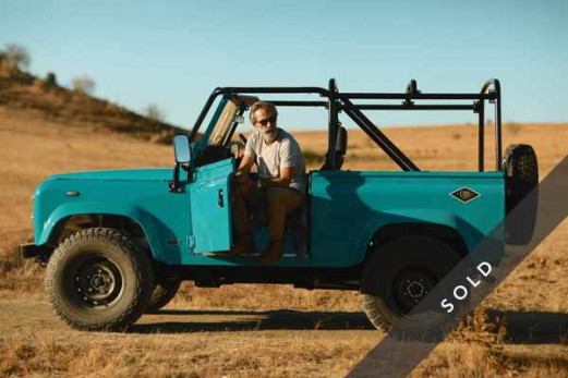 LAND ROVER Defender LIGHT BLUE-sold-k