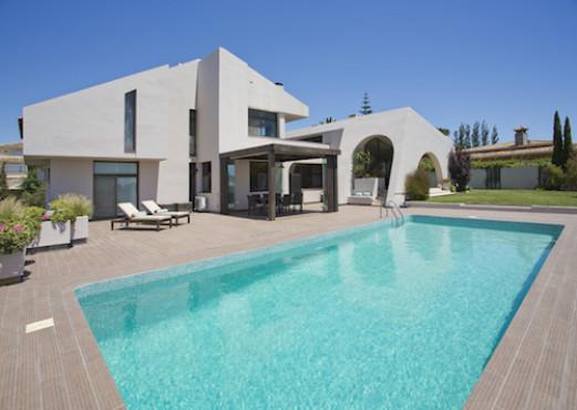 Moderne Villa mit Meerblick in Elviria