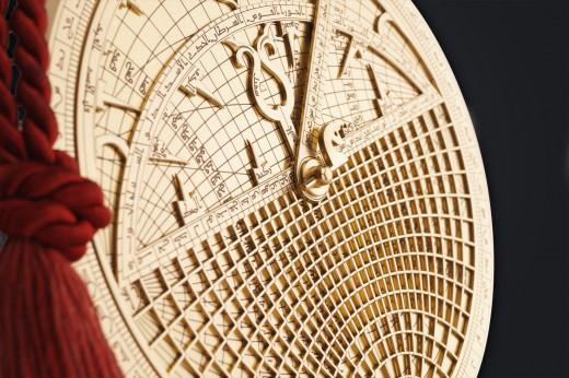 """""""Es ist ein ganz besonderer Zauber, mit einem Astrolabium den Himmel in Händen zu halten"""" - CHRONOS Manufaktur"""